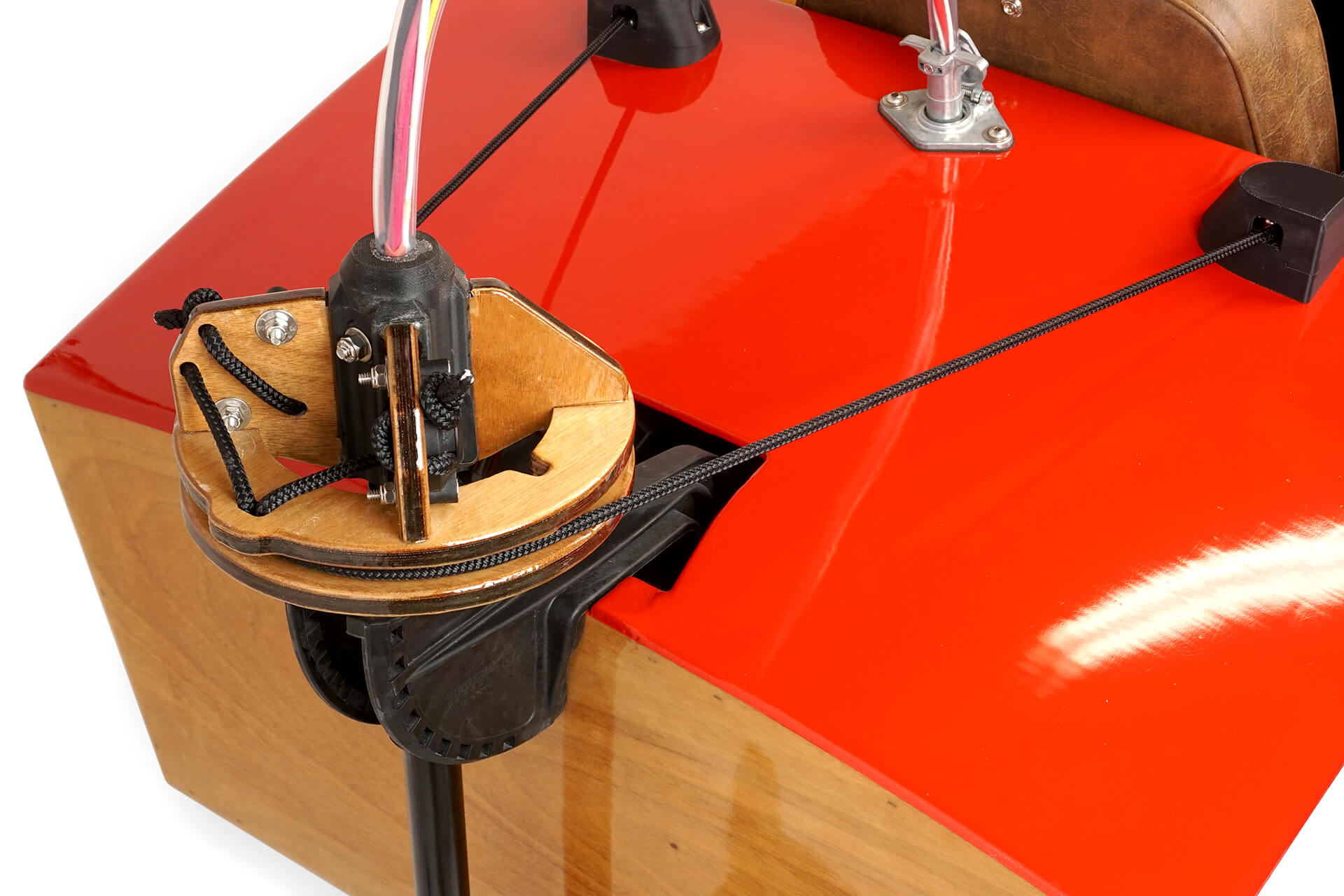 The steering drum and pulley system of the mini electric boat